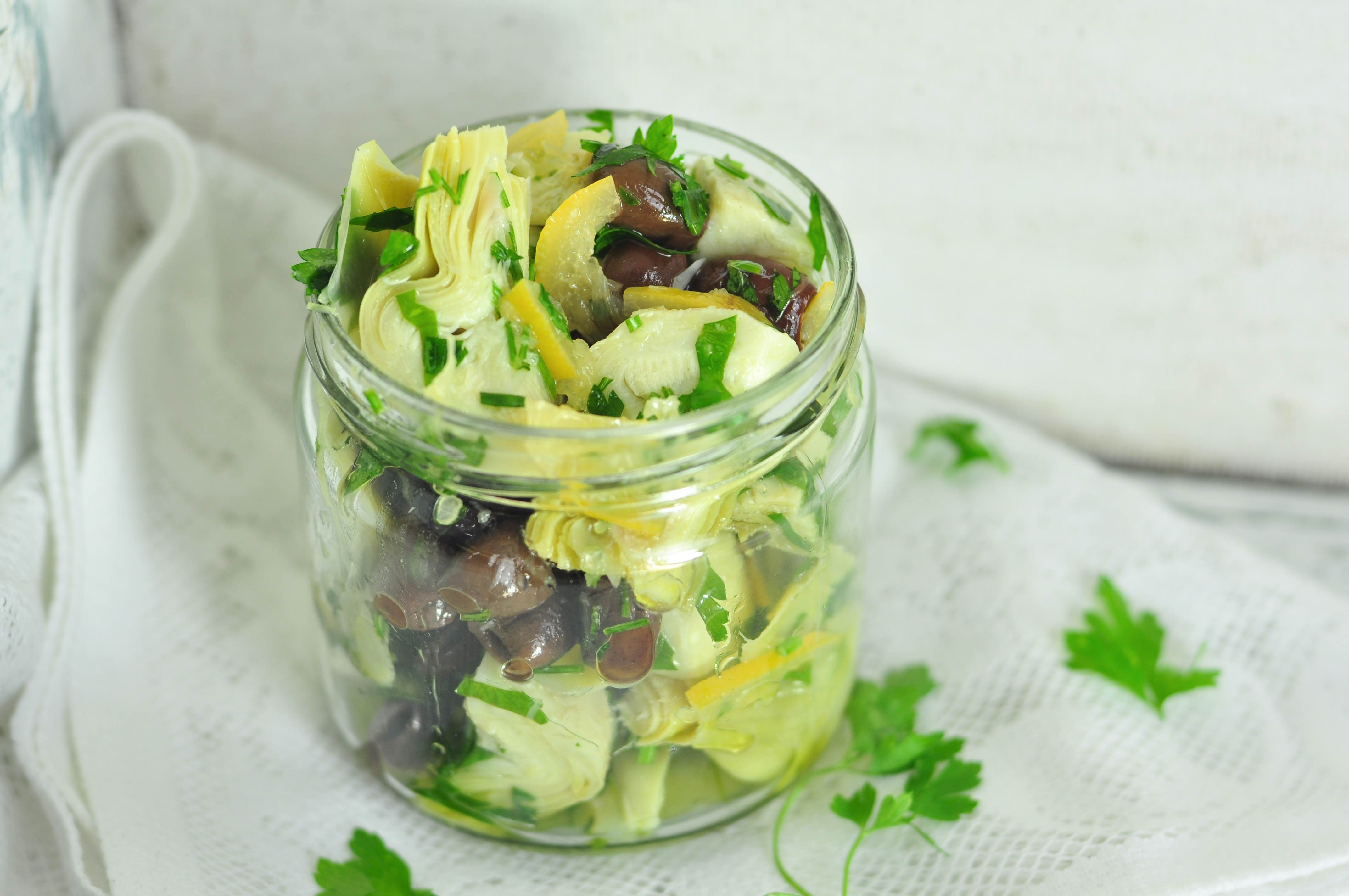 Marinated _artichoke_hearts_with_preserved_lemons_closeup