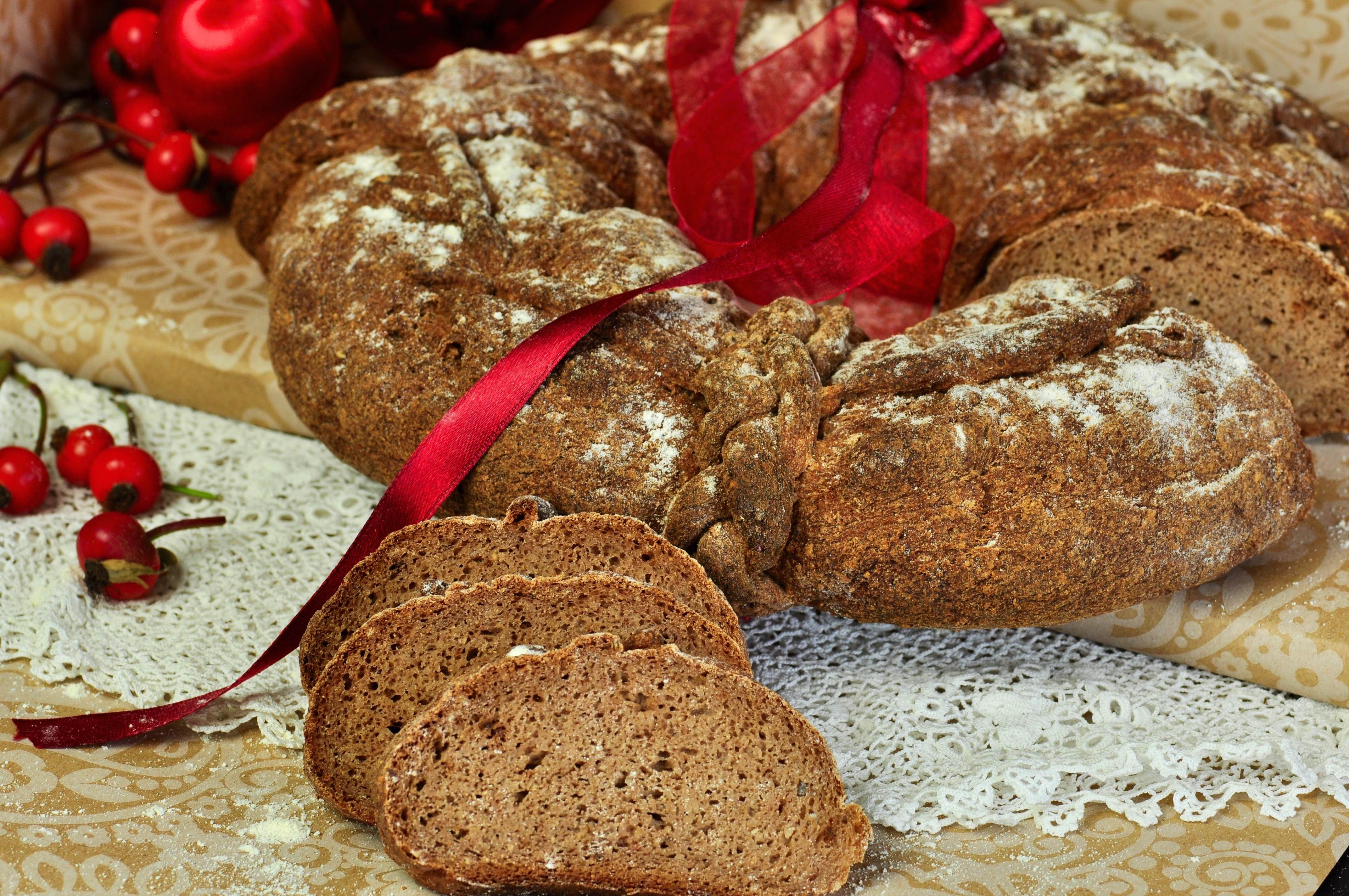 swedish_christmas_bread_closeup_tastecelebration